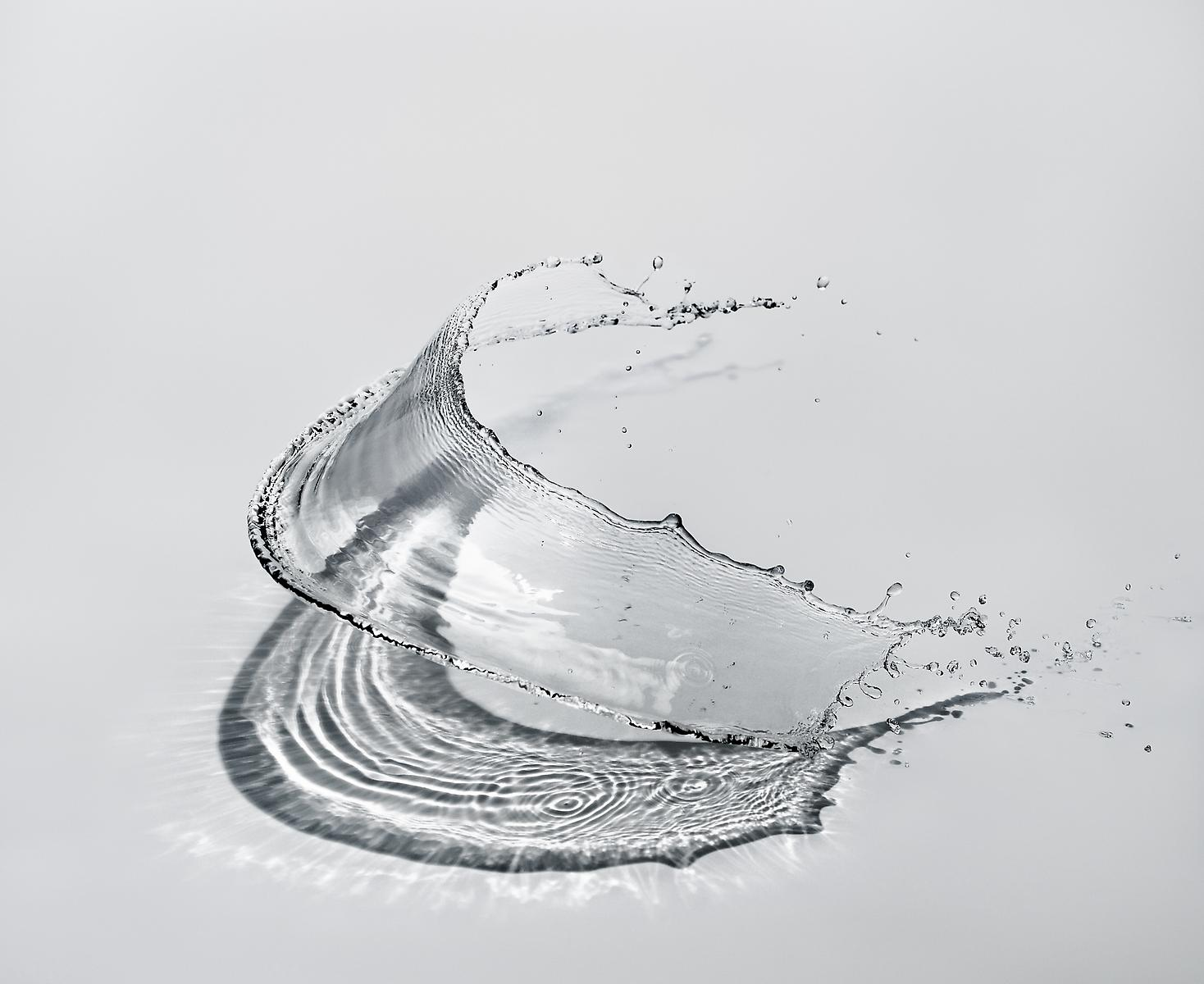 Japanese art in contemporary shinichi maruyama for Water in japanese